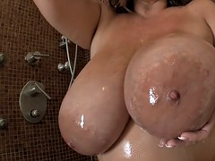 maria moore lathers up her..