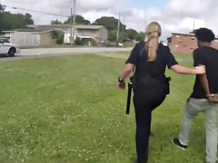 smashing milf cops are going..