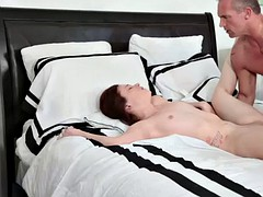 rylee renees shaved pussy be..