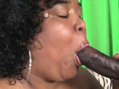 BBW babe gets her cunt plowed