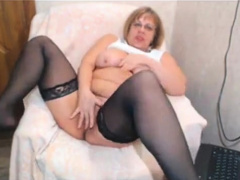 mature opens big pussy thither