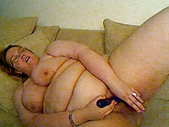 BBW play with rabbit on cam