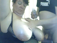 beamy boobed webcam