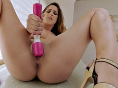 Twisyts - Ashley Adams -..