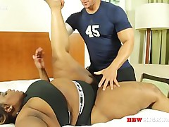 heavy booty ebony girl gets..